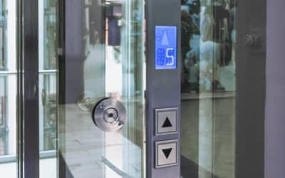 """""""Aufzug im Brandfall nicht benutzen"""" – warum eigentlich?"""