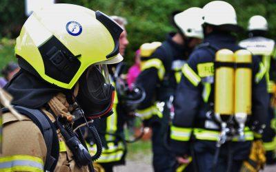 So können sich Feuerwehrleute bei der Brandbekämpfung vor Schadstoffen schützen