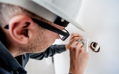Bei der Elektrosicherheit nur einer Fachkraft vertrauen
