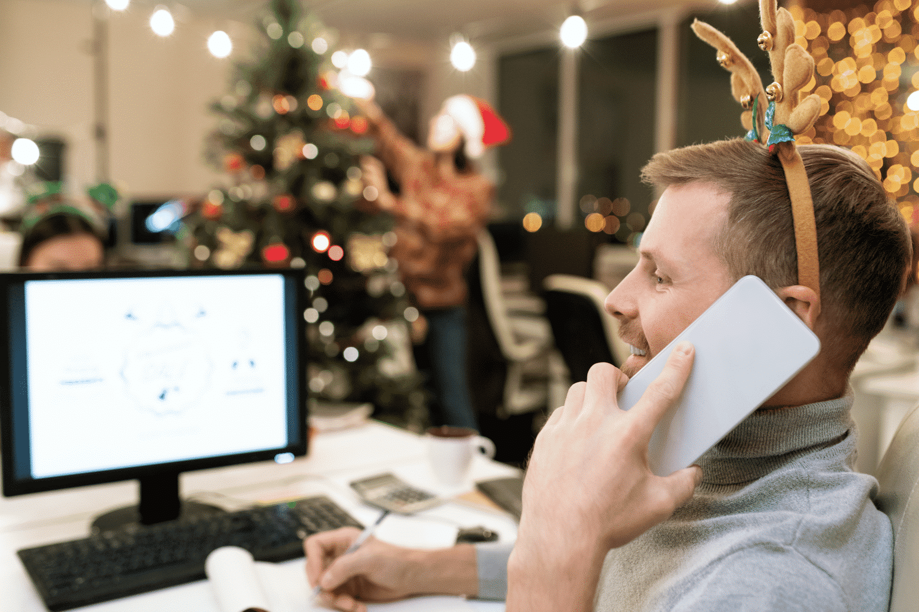 Elektrische Weihnachtsbeleuchtung im Büro