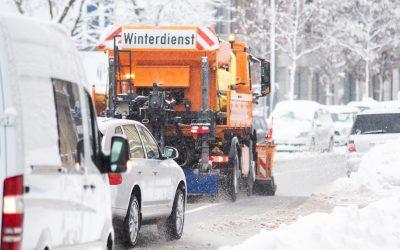 Schnee, Eis und Frost: ordnungsgemäßer Winterdienst im Betrieb