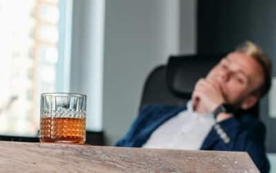 Risikofaktor Alkohol: Bundesweit trinken 10 Prozent der Erwerbstätigen problematische Mengen Alkohol